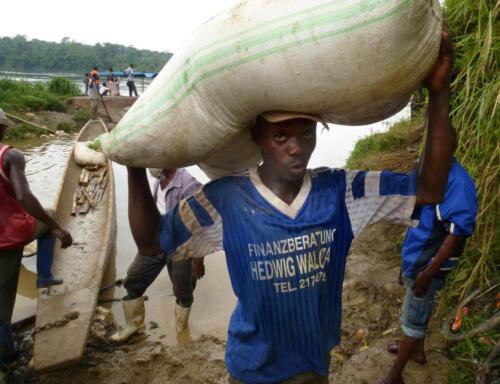 Baroani Tikuni lebt vom Warentransport.
