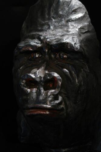 P.001 Gorilla, Ton teilw. lackiert, 2011, 41cm hoch